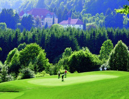 Ein Traum für Golfer: die 70 Hektar große Golfanlage bei den Gräflichen Parks am südlichen Teutoburger Wald